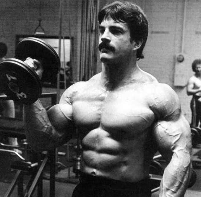 Майка ментцера употреблял стероиды