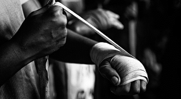 kak pravilno bintovat ruku bokserskim bintom foto