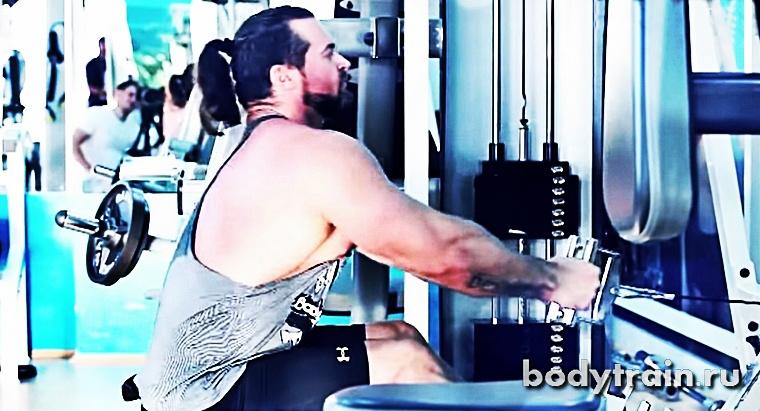 Растягивание мышц в нижней точке