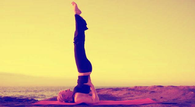 Упражнение Березка улучшает состояние позвоночника и мышцы спины