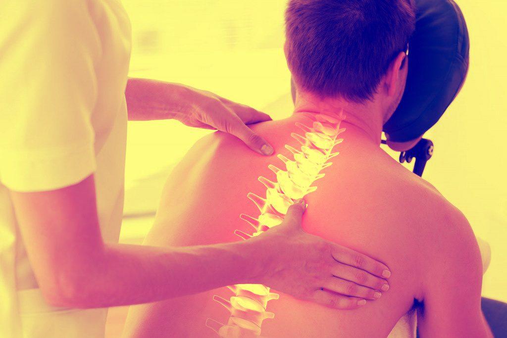Очаги поражения могут возникать на нескольких участках позвоночника