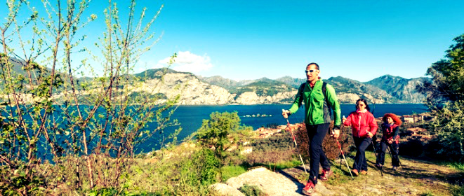 Скандинавская ходьба находит десятки тысяч последователей по всему миру