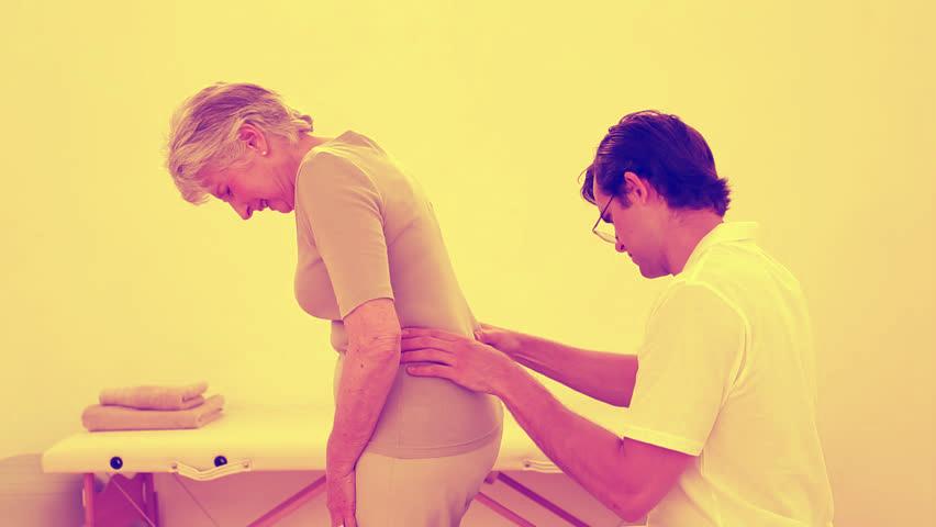 Существует несколько причин, по которым начинаются боли в спине
